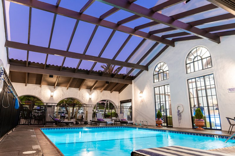 Holiday Inn Express San Clemente North-Heated Pool<br/>Image from Leonardo