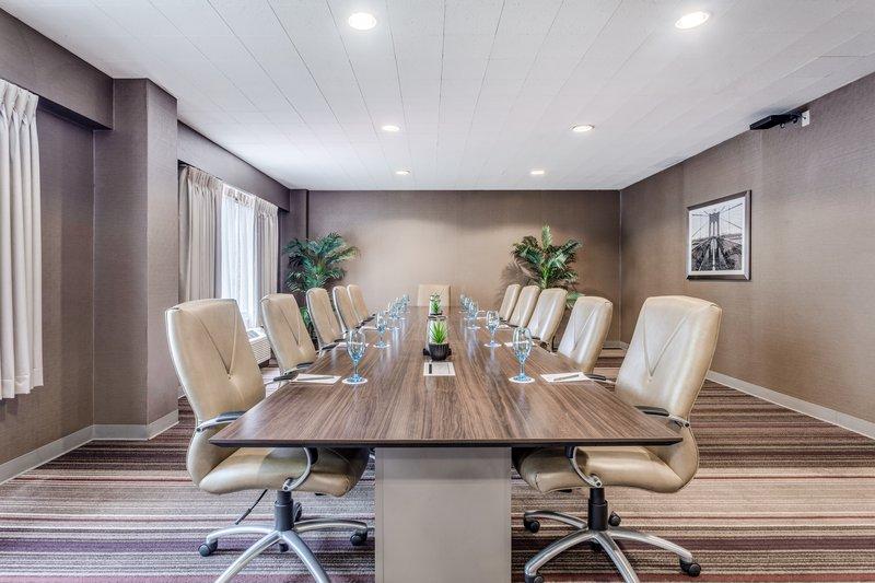 Crowne Plaza Danbury-Meeting Room <br/>Image from Leonardo