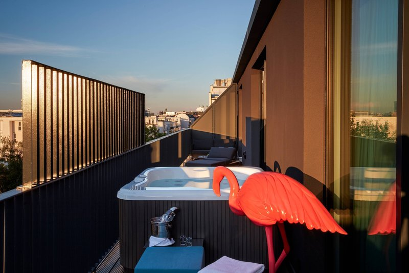 Autograph Collection Roomers Munich-Suite - Hot Tub on The Balcony<br/>Image from Leonardo
