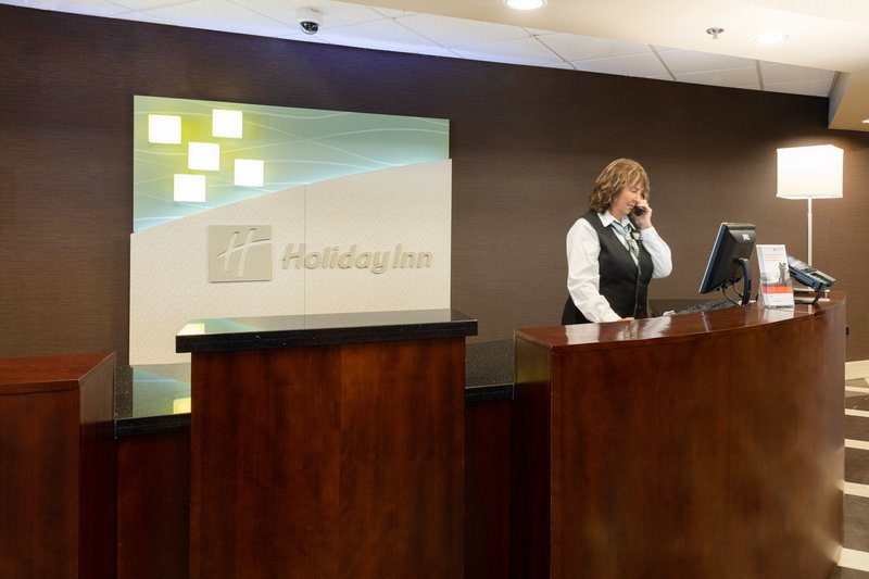 Holiday Inn Airport West Earth City-Front Desk<br/>Image from Leonardo
