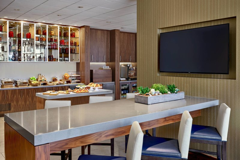 Calgary Marriott Downtown Hotel-M Club - Breakfast<br/>Image from Leonardo