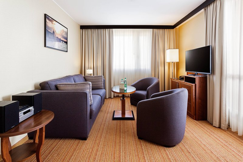 Courtyard Toulouse Airport-Suite - Living Room<br/>Image from Leonardo