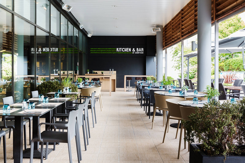 Courtyard Toulouse Airport-Kitchen and Bar - Terrace<br/>Image from Leonardo