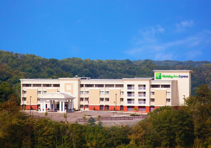 Holiday Inn Express Cincinnati West-Hotel Exterior<br/>Image from Leonardo