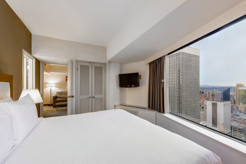 Crowne Plaza Seattle-Downtown-Suite<br/>Image from Leonardo