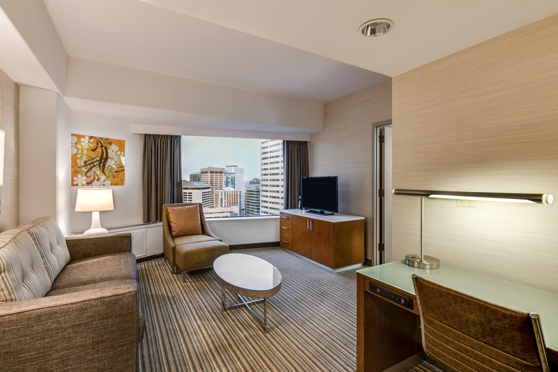 Crowne Plaza Seattle-Downtown-If you're looking for extra space book our King Guest Rooms.<br/>Image from Leonardo