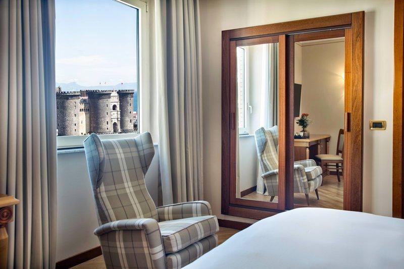 Renaissance Naples Hotel Mediterraneo-King High Floor Panoramic Guest Room - Sea View<br/>Image from Leonardo