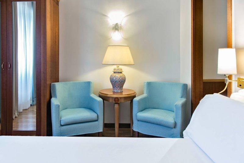 Renaissance Naples Hotel Mediterraneo-Family Superior Guest Room - Sitting Area<br/>Image from Leonardo