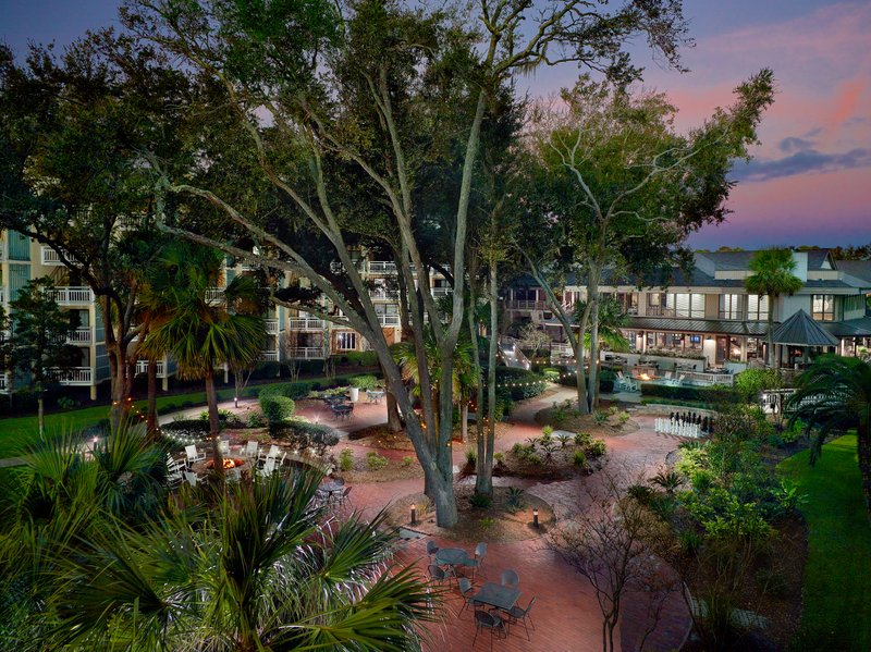Omni Hilton Head Oceanfront Resort-Courtyard<br/>Image from Leonardo