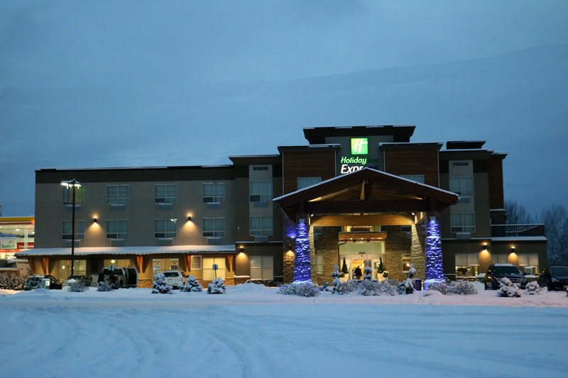 Holiday Inn Express Golden-Kicking Horse-Exterior Winter<br/>Image from Leonardo
