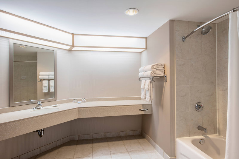 Delta Hotels by Marriott St John's Conference Centre-Leisure Suite - Bathroom<br/>Image from Leonardo