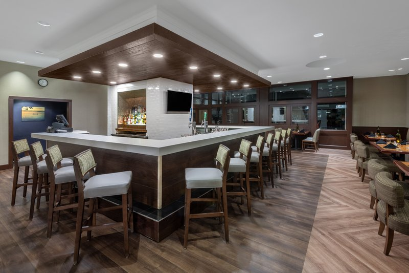 Crowne Plaza Pittsfield-Berkshires-Bar and Lounge <br/>Image from Leonardo