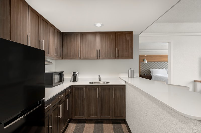 Crowne Plaza Pittsfield-Berkshires-Tower Suite with Kitchen and Livingroom<br/>Image from Leonardo