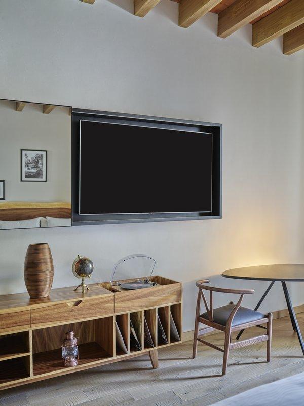 Live Aqua San Miguel Allende-Room Interior<br/>Image from Leonardo