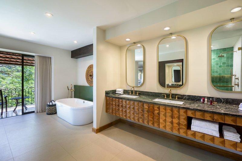 Marriott Los Suenos Ocean & Golf Resort-Presidential Suite - Bathroom<br/>Image from Leonardo