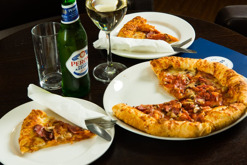 Holiday Inn Express Milton Keynes-Pizza's the winner! tuck into a snack from our 24-hour menu<br/>Image from Leonardo