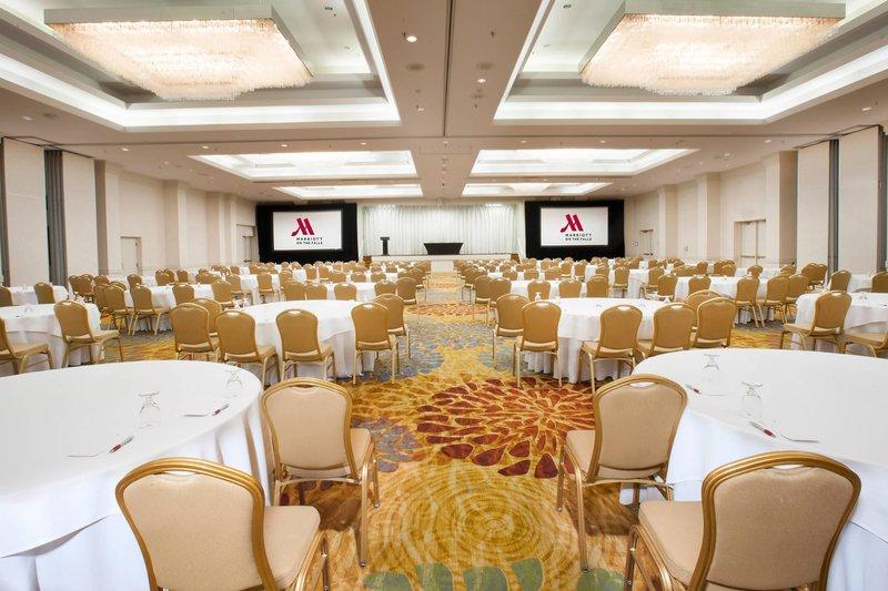 Marriott Niagara Falls on the Falls-Oakes Ballroom - Social Setup<br/>Image from Leonardo
