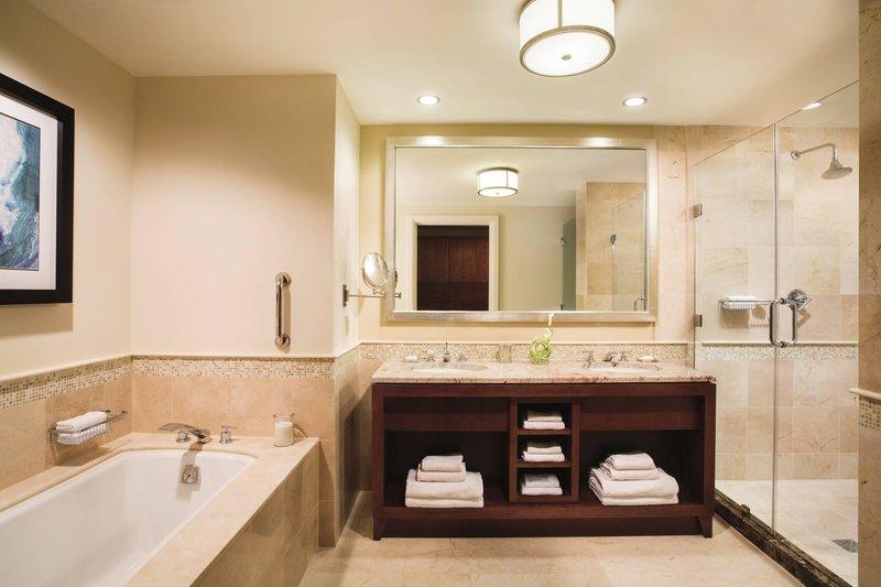 THE RITZ-CARLTON, ARUBA - Guest Bathroom <br/>Image from Leonardo
