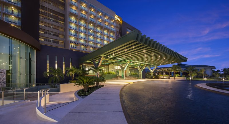 Hard Rock Cancun - HRHCancun Porte Cochere <br/>Image from Leonardo