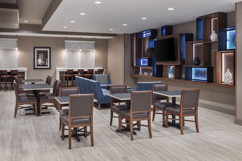 Holiday Inn Express & Suites Odessa I-20-Breakfast Seating- Near Museums<br/>Image from Leonardo