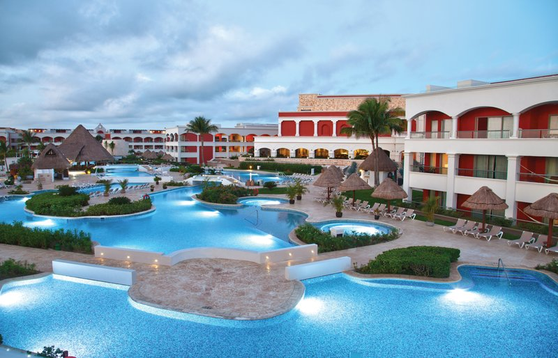 Hard Rock Riviera Maya - Family - HRH Riviera Maya Hacienda Pool <br/>Image from Leonardo