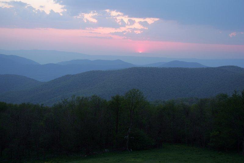 Holiday Inn Roanoke - Tanglewood - Rt 419 & I581-The Beautiful Blue Ridge Mountains Welcome You!<br/>Image from Leonardo