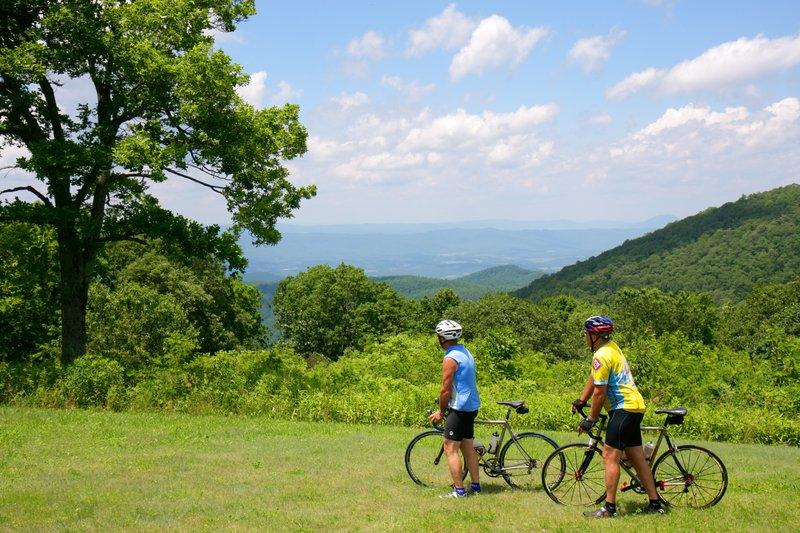 Holiday Inn Roanoke - Tanglewood - Rt 419 & I581-Biking the Blue Ridge!<br/>Image from Leonardo