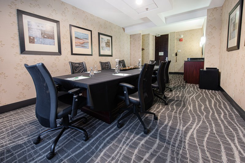 Holiday Inn Airport West Earth City-Boardroom<br/>Image from Leonardo