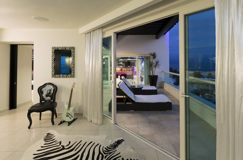 Hard Rock Hotel Vallarta-HRHVRock Star Suite Terrace<br/>Image from Leonardo