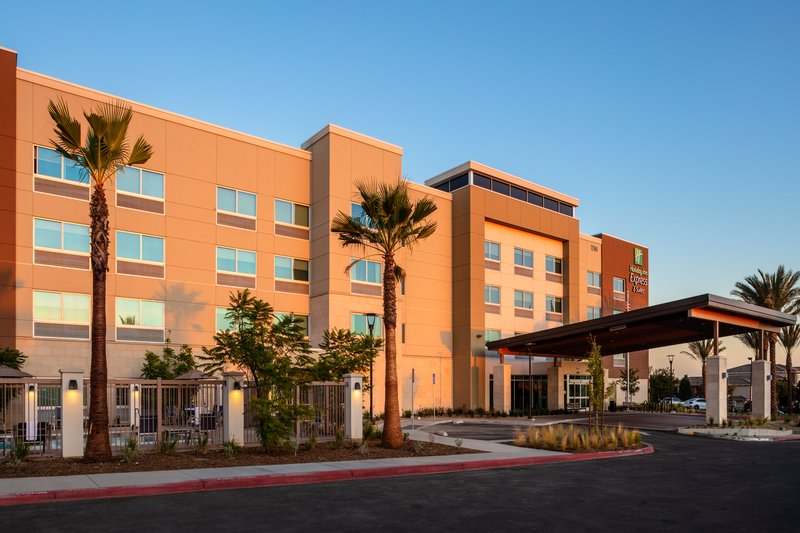 Holiday Inn Express And Suites Moreno Valley Riverside-Hotel Exterior <br/>Image from Leonardo
