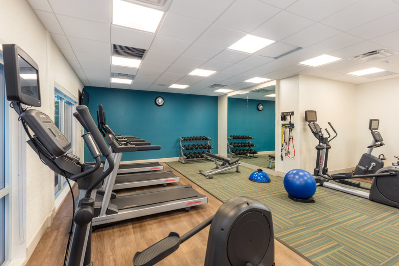 Holiday Inn Express And Suites Moreno Valley Riverside-Fitness Center<br/>Image from Leonardo