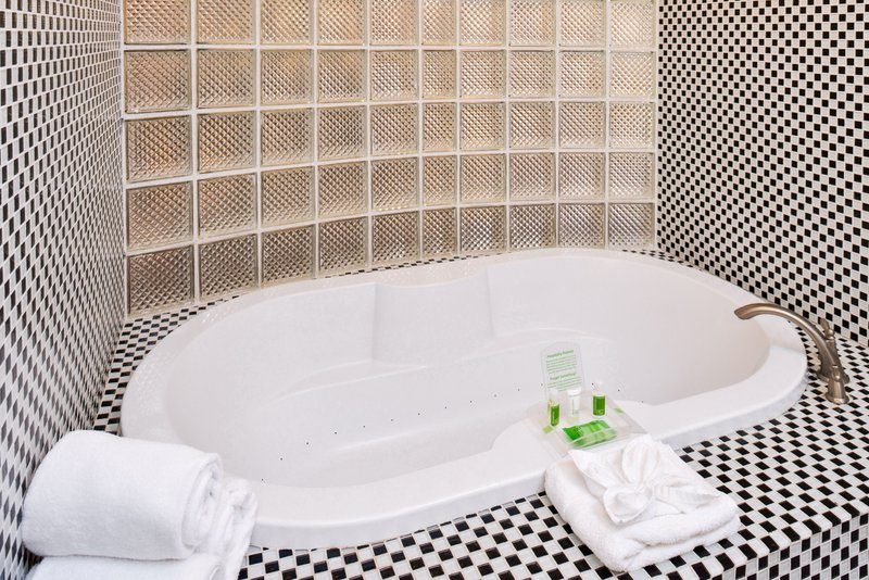 Holiday Inn Amarillo West Medical Center-Spacious bathtub to unwind after a long day. <br/>Image from Leonardo