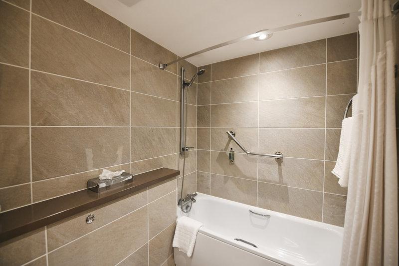 Holiday Inn Telford - Ironbridge-Guest Bathroom<br/>Image from Leonardo
