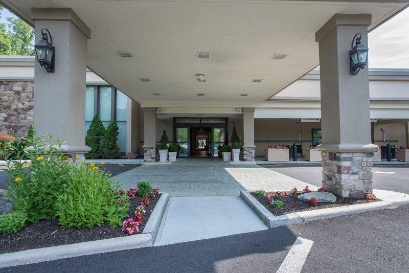 Holiday Inn Mt. Kisco-Hotel Entrance<br/>Image from Leonardo