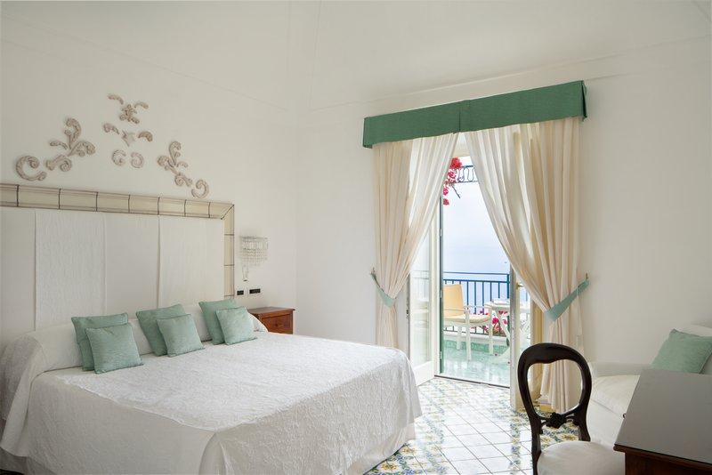 Santa Caterina Hotel-bedroom 3<br/>Image from Leonardo
