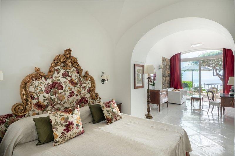 Santa Caterina Hotel-bedroom 4<br/>Image from Leonardo