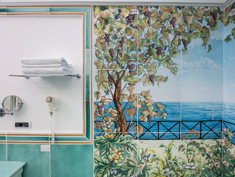 Santa Caterina Hotel-bathroom detail<br/>Image from Leonardo