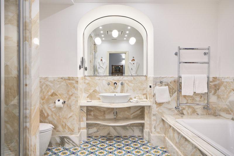 Santa Caterina Hotel-bathroom<br/>Image from Leonardo
