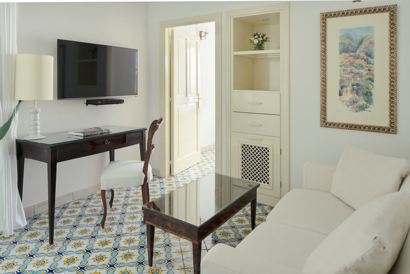 Santa Caterina Hotel-sitting area<br/>Image from Leonardo