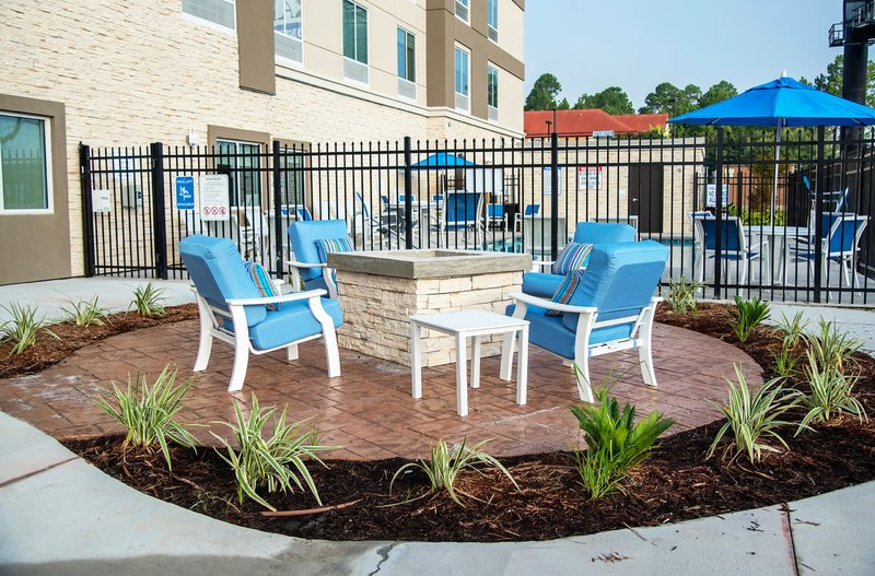 Holiday Inn Hotel And Suites Savannah Airport Pooler-Guest Patio<br/>Image from Leonardo