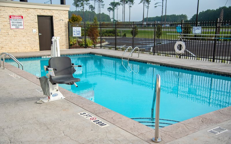 Holiday Inn Hotel And Suites Savannah Airport Pooler-Swimming Pool<br/>Image from Leonardo