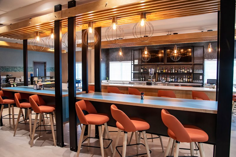 Holiday Inn Hotel And Suites Savannah Airport Pooler-Bar and Lounge<br/>Image from Leonardo
