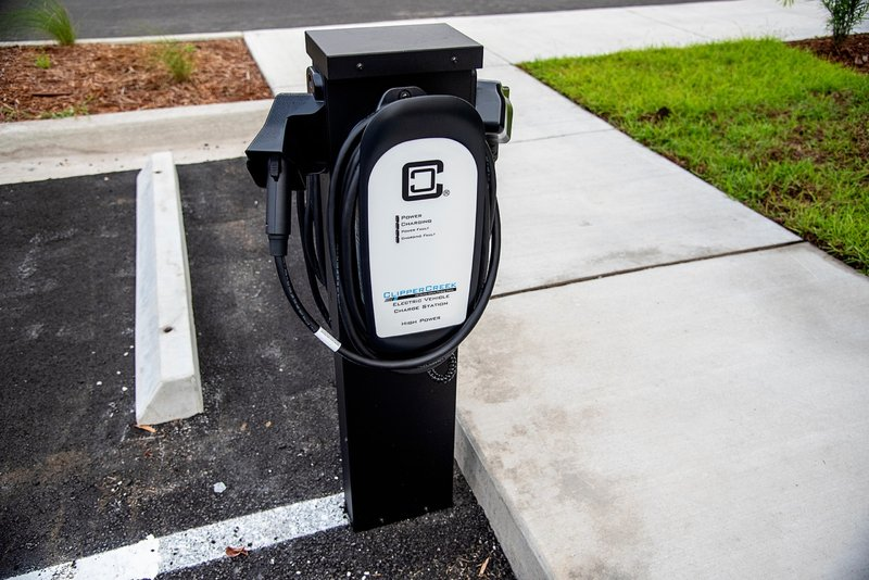 Holiday Inn Hotel And Suites Savannah Airport Pooler-Electric Car Charging Station<br/>Image from Leonardo