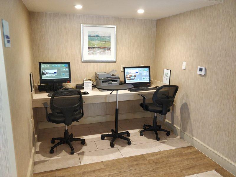 Holiday Inn Express Roanoke-Civic Center-Business Center<br/>Image from Leonardo