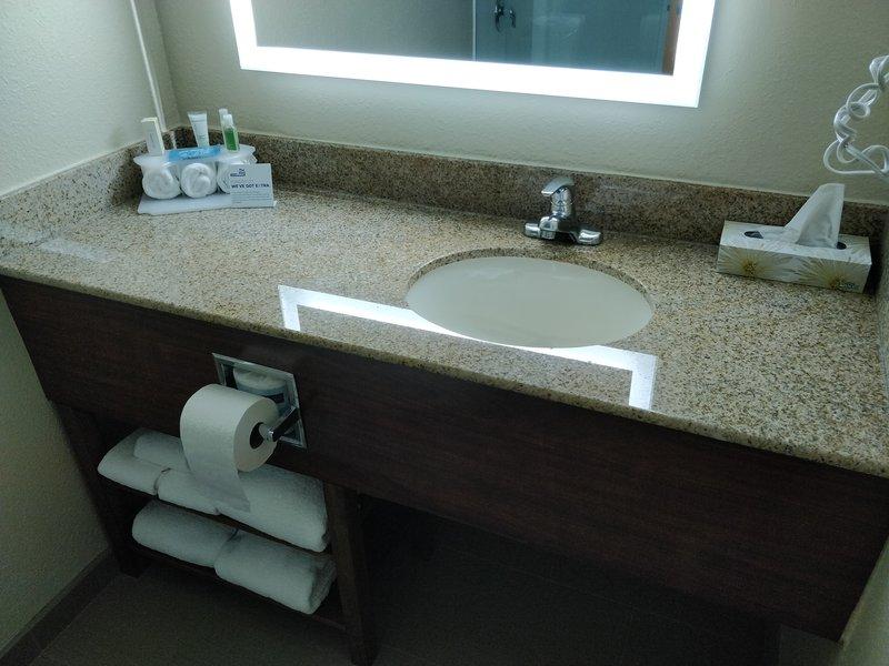 Holiday Inn Express Roanoke-Civic Center-Bathroom Amenities<br/>Image from Leonardo