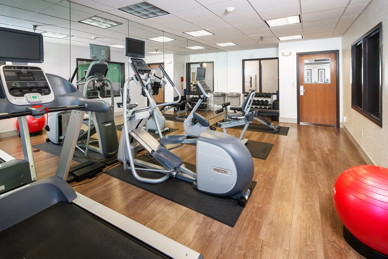 Holiday Inn Express & Suites Bellevue (Omaha Area)-State of the art PRECOR equipment with TVs and weights open 24 hrs<br/>Image from Leonardo