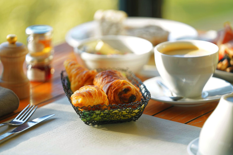 Holiday Inn Cannes-Breakfast Area<br/>Image from Leonardo