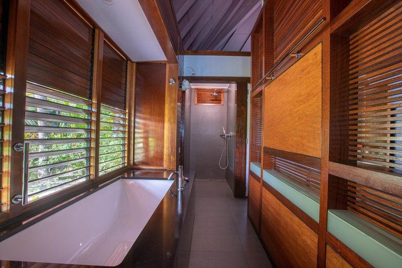 Le Meridien Bora Bora - Guest Bathroom <br/>Image from Leonardo