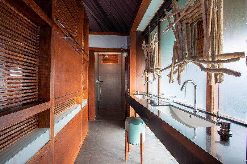 Le Meridien Bora Bora - Overwater Lagoon Premium Bungalow Bathroom <br/>Image from Leonardo