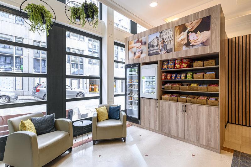 Holiday Inn Brussels - Schuman-Shop<br/>Image from Leonardo